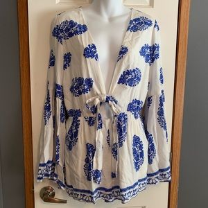 NWT Boutique medium romper blue white long sleeve